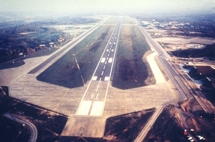 Runway1 | Bandar Udara Online