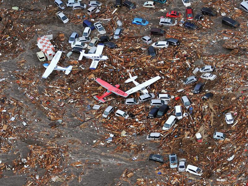 Bandara Sendai, Miyagi, Jepang diterjang Tsunami