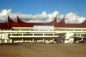 4 Bandara Beroperasi sampai jam 24
