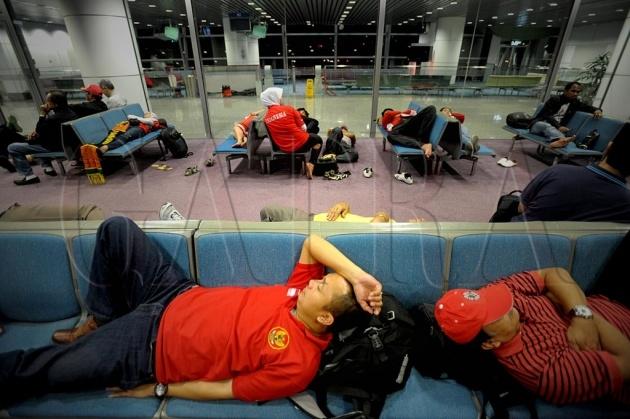 Tidur di Bandara atau Hotel Transit