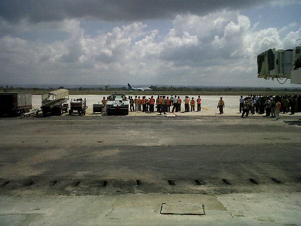 First Landing Garuda Indonesia at Lombok International Airport
