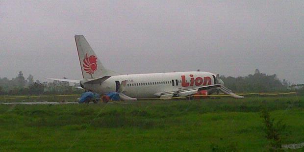 Lion Air Tergelincir di Bandara Sepinggan
