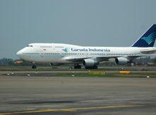 Pesawat Garuda Indonesia mengangkut Jamaah Haji