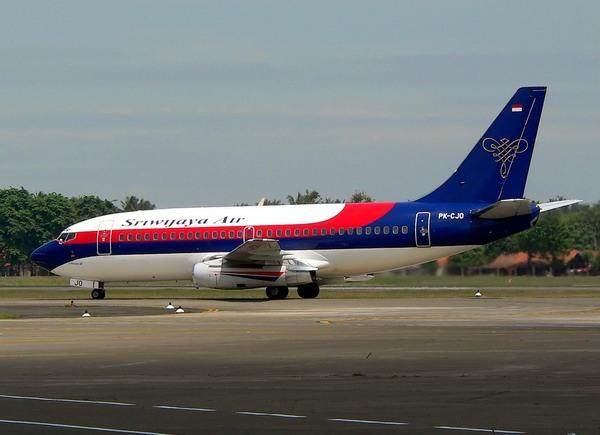 Sriwijaya Air Mendarat Darurat di Bandara Mahmud Badaruddin