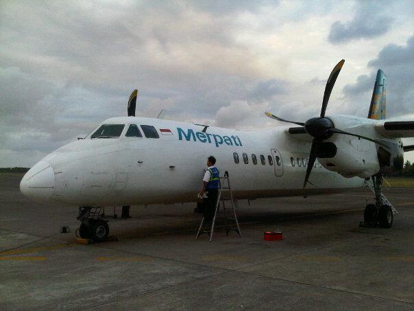Pesawat Merpati Airline MA60 Berasap