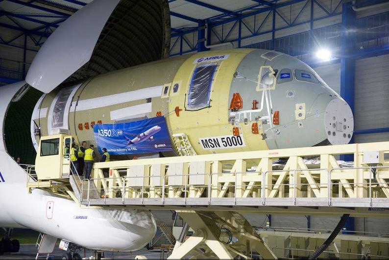 Pesawat Airbus A350XWB Mulai Diproduksi