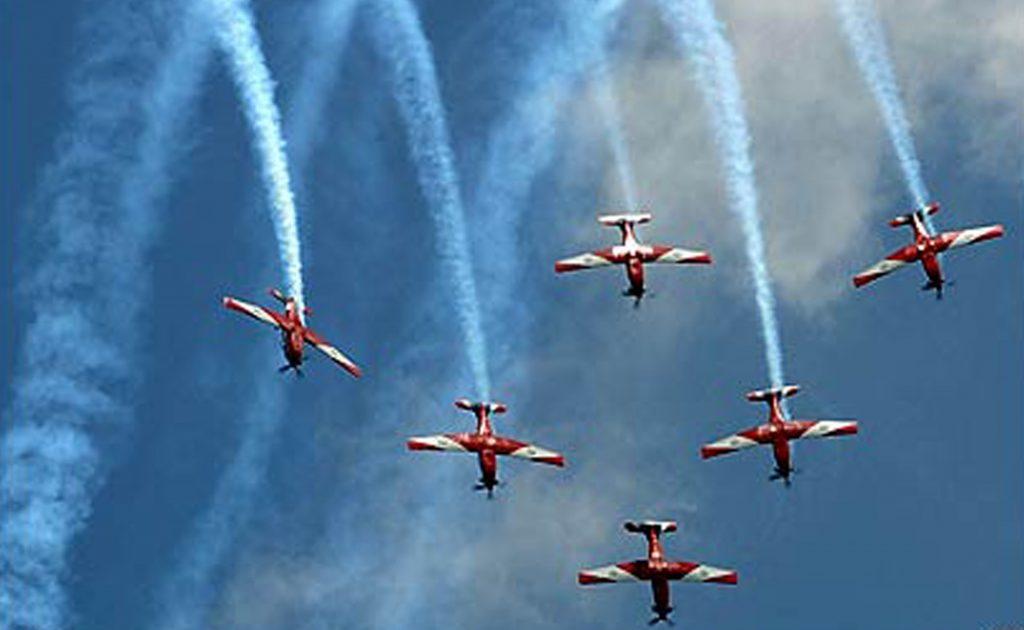 Aerobatik HUT ke 66 TNI AU