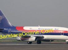 Pesawat Sriwijaya Air mendarat di Padang
