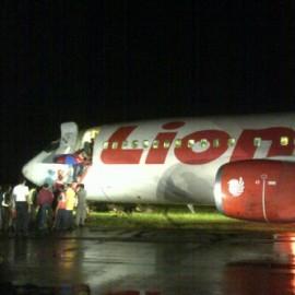 Lion Air Tergelincir di Bandara Supadio Pontianak