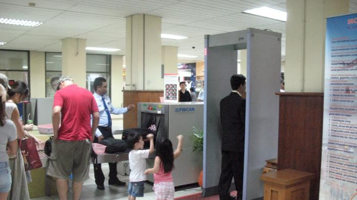 Waspada Aksi Teroris, Keamanan Bandara Di Indonesia Diperketat
