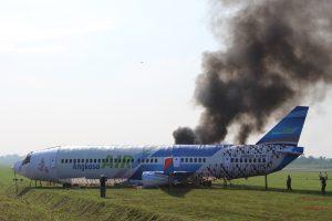 Pesawat Angkasa Air Kecelakaan di Simulasi Kecelakaan Pesawat dalam-PKD Dirgantara Raharja 86 Bandara Adi Soemarmo Solo